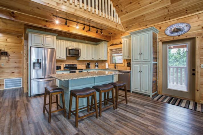 Pigeon Forge, Tennessee Chalet Rental - Gallery Image #10